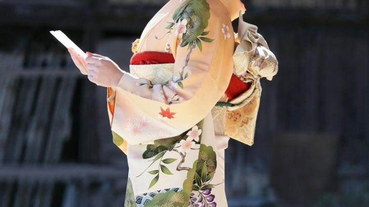 和服に似合う方へ贈る花束について プレゼントでより美しく!