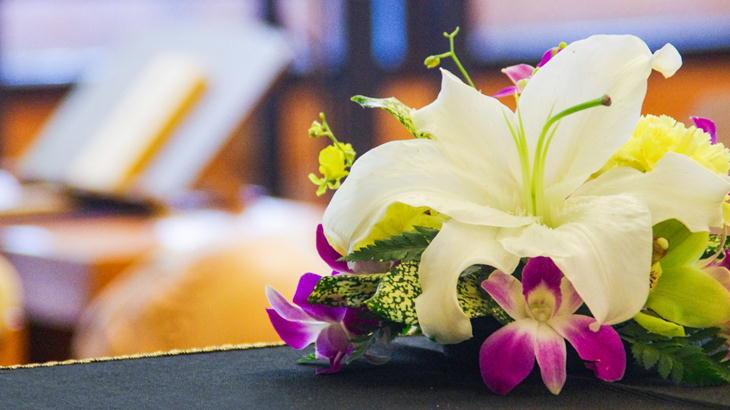 葬儀のスタンド花|即日発送で明日届くお花屋さんならココで